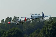 Start in Formation: T-6 und Marchetti F-260